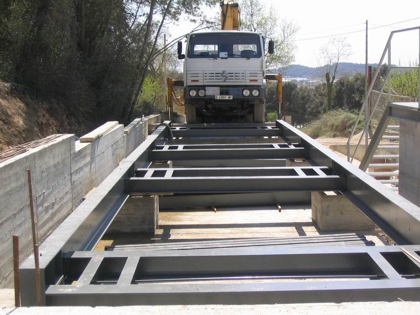 Ejemplo de instalación debáscula sobresuelo para pesaje de camiones.